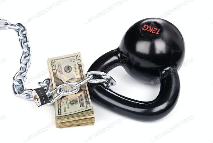 Bargeld gesichert durch Ball und Kette