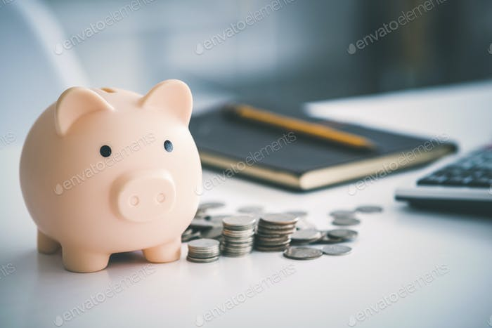 Banco de cerdos y dinero.
