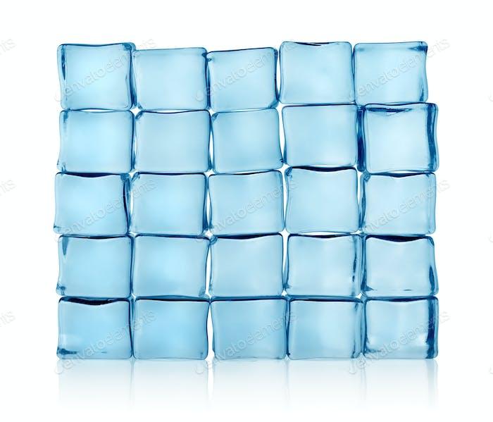 Figuren aus Eiswürfeln isoliert