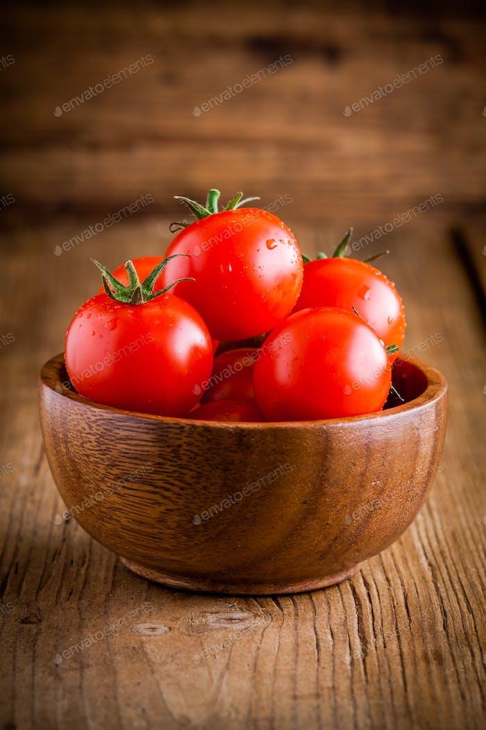 fresh organic cherry tomatoes in a bowl