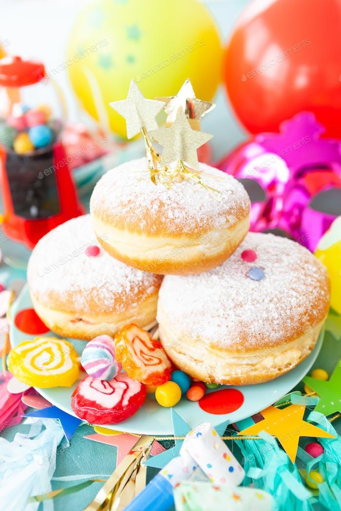 Köstliche Donuts und Süßigkeiten