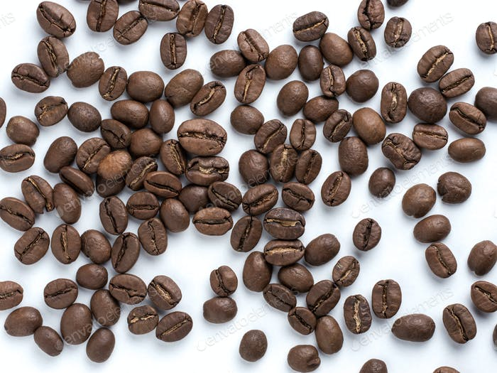 Kaffeebohnen Nahaufnahme auf weißem Hintergrund