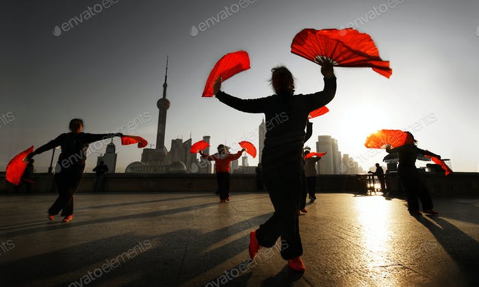 Traditional Chinese dance with fans.