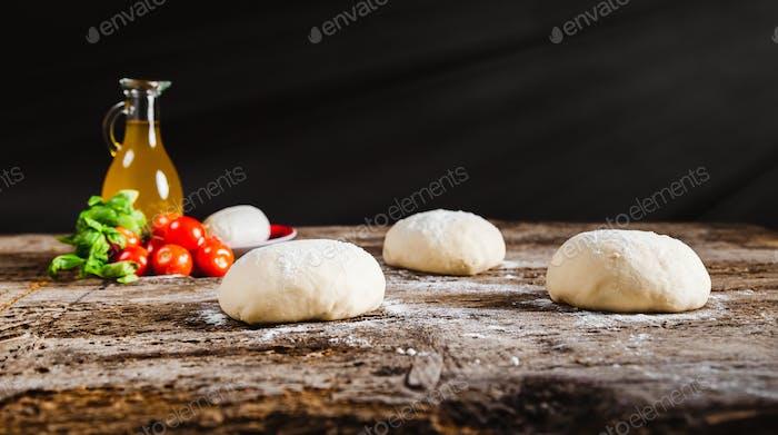 Pizza dough leavening