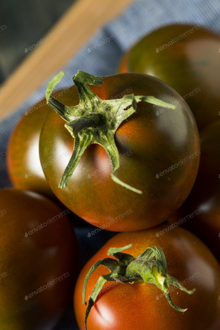Raw Organic Brown Kumato Tomatoes