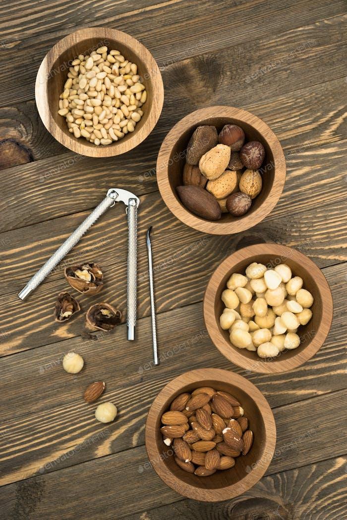 Mischnüsse Pinienmandeln Macadamia Walnüsse Nussknacker