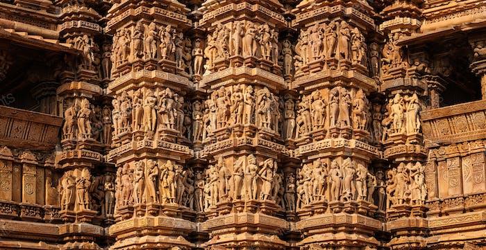 Berühmte Steinschnitzerei Skulpturen von Khajuraho