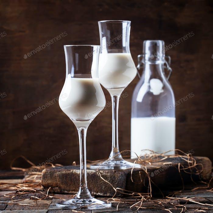 Creamy liqueur
