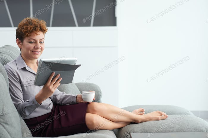 Resting with tablet computer