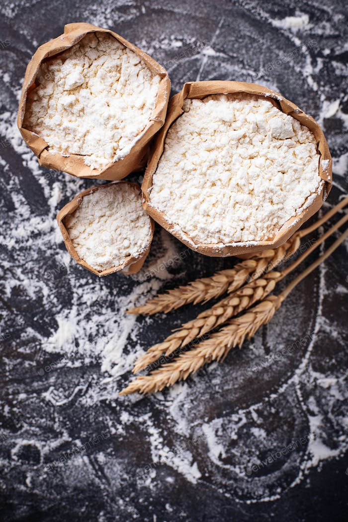 Flour and dry wheat ears