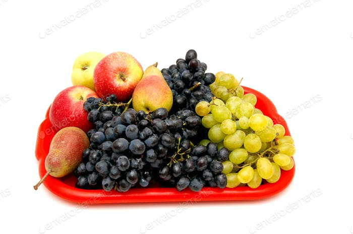 Fruits and bunches of grapes.