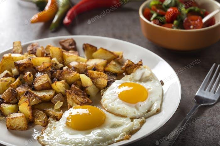 Eier und Pommes frites