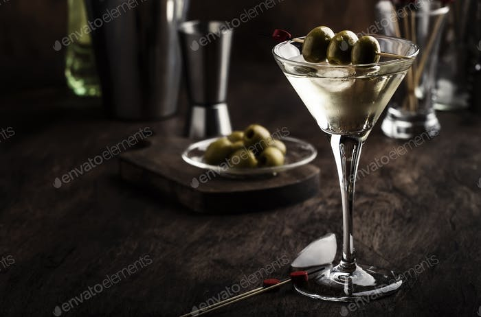Martini cocktail, with dry vermouth, vodka and green olives