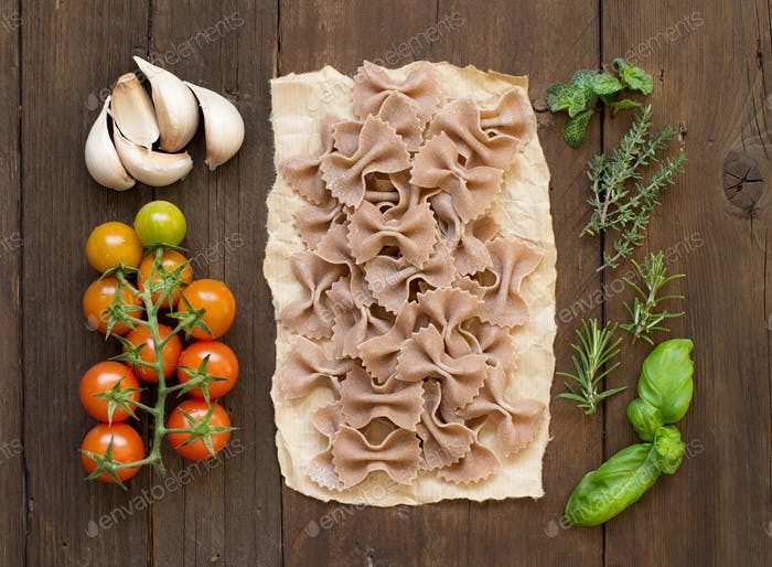 Whole wheat pasta, vegetables and herbs