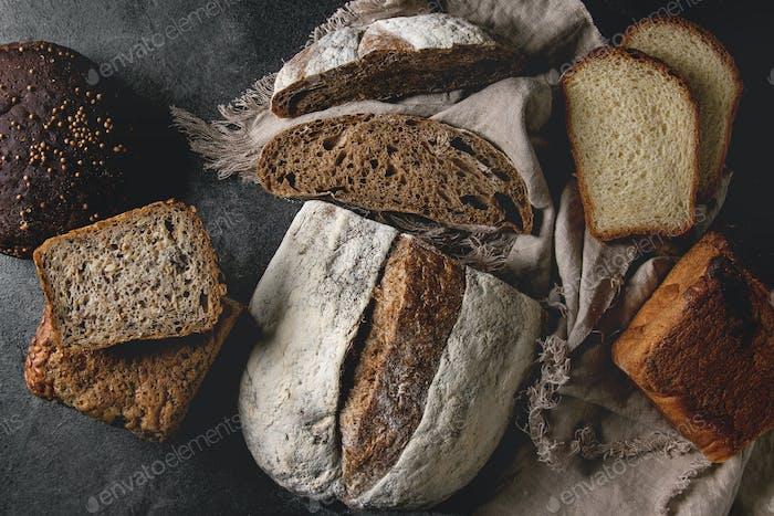 Vielfalt von frischem gebackenem Brot