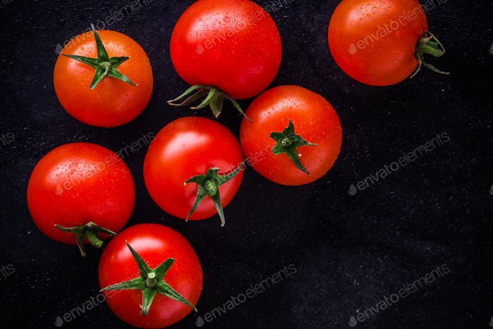 fresh organic cherry tomatoes with drops