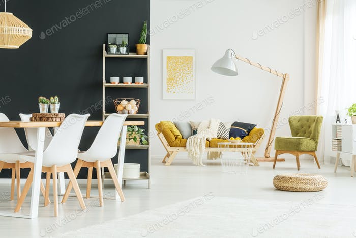Black wall in dining room