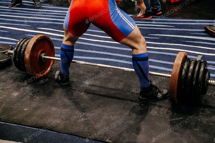male powerlifter deadlift