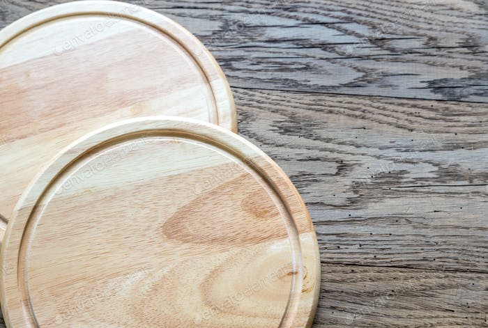 Round wooden boards
