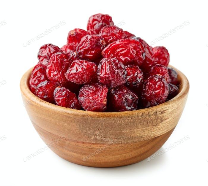 getrocknete Cranberries in Holzschale