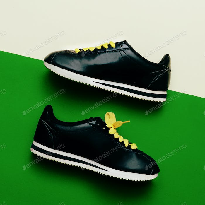 Sneaker Minimal Fashion Design Urban Style Love shoes