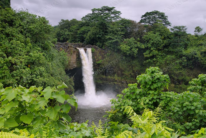 Rainbow Falls in Big Island