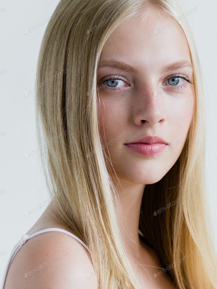 Haare lange blonde stufenschnitt für Lange Blonde