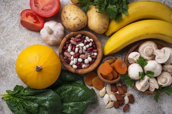 Produkte, die Kalium enthalten. Gesunde Ernährung Konzept