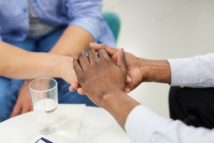 Fürsorgliche Hände