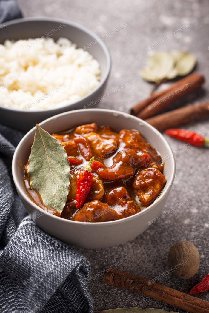 Curry chicken tikka masala with rice