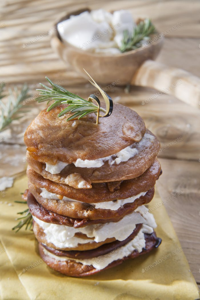 Chestnut flour pancakes with cottage cheese