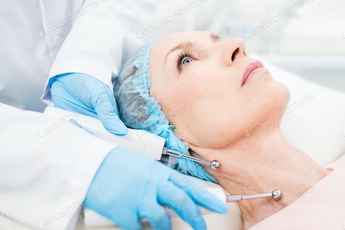 Rejuvenating neck skin