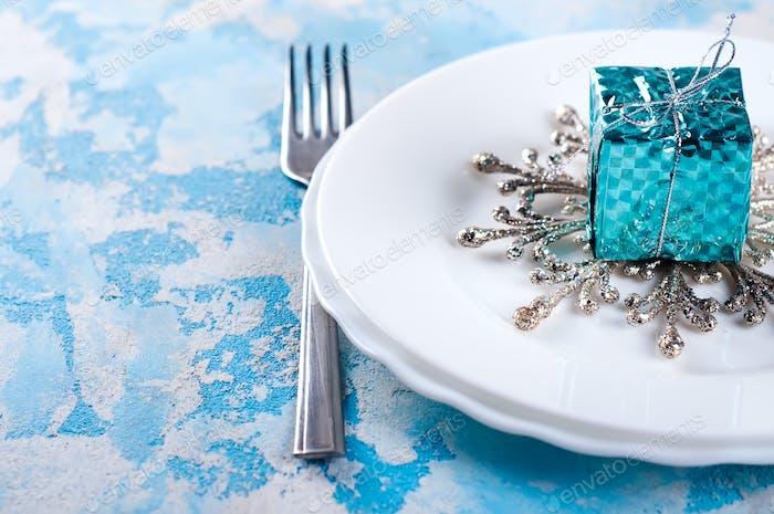festliche Tischdekoration für Weihnachten