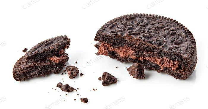 broken chocolate cookies