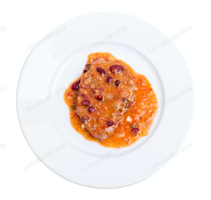 Stewed pork fillet with red beans.