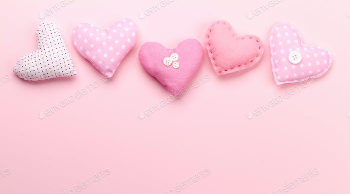 Valentinstag mit handgemachten Craft Herzen
