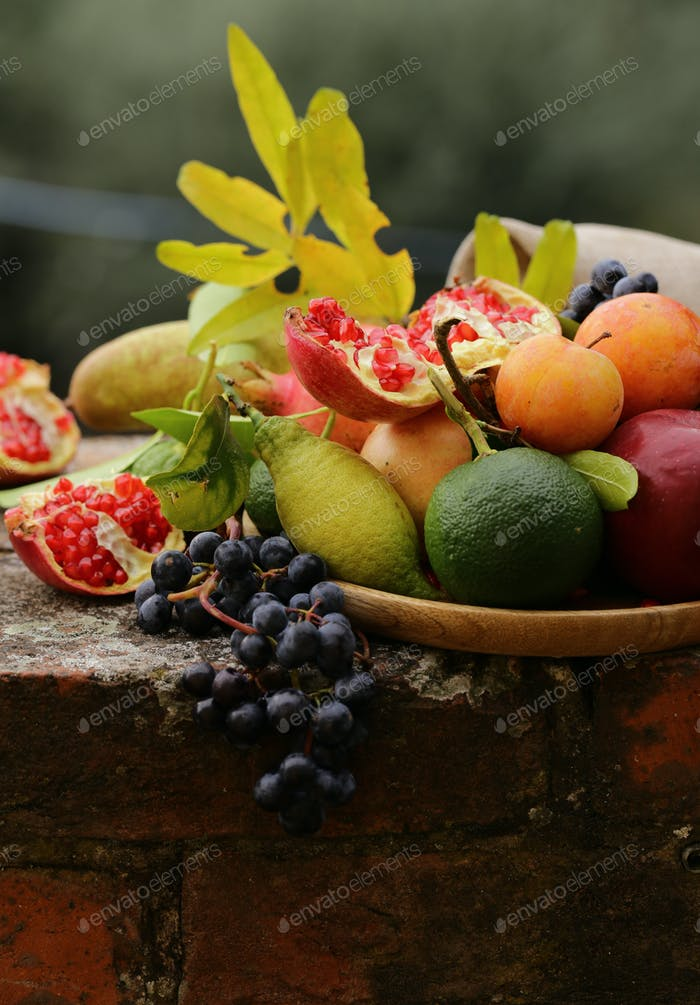 Organic Natural Fruits