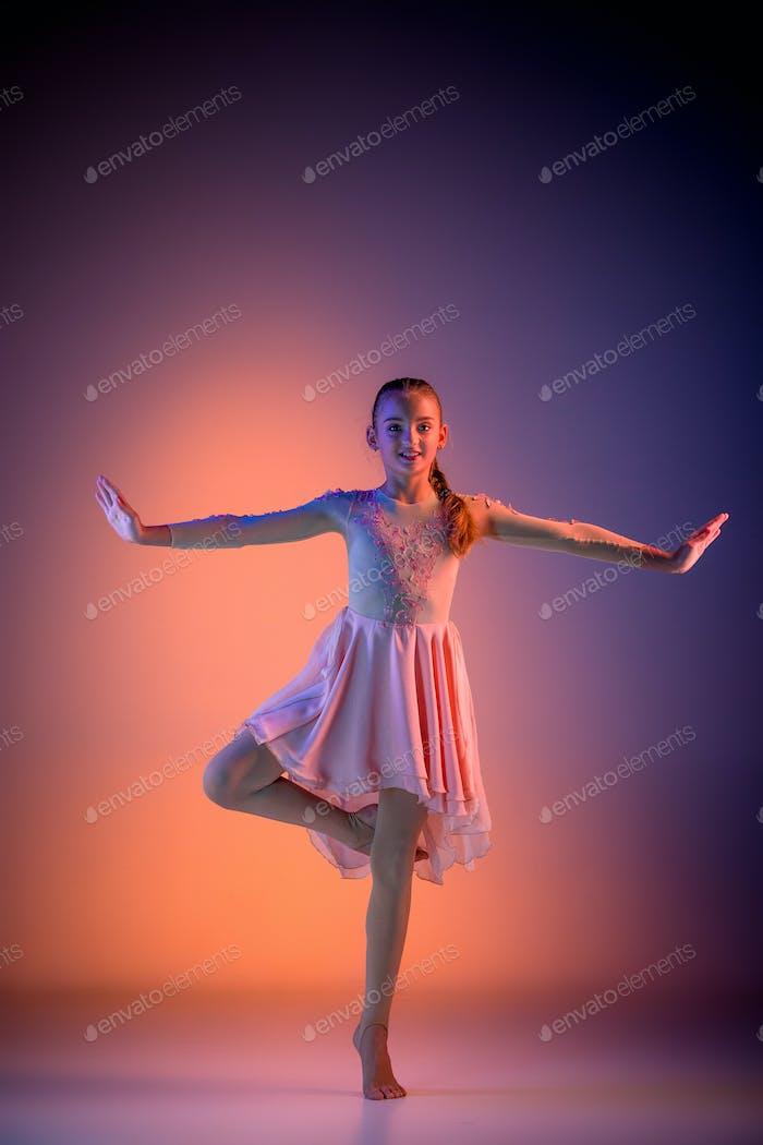 The teen modern ballet dancer