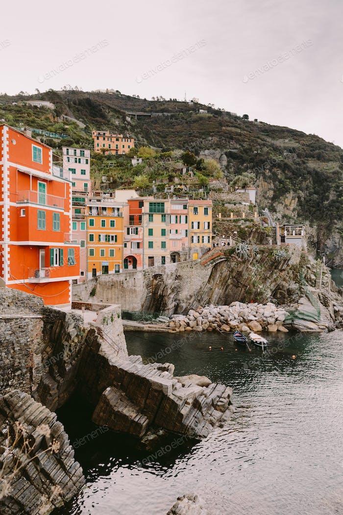 Blick auf Riomaggiore in Cinque Terre