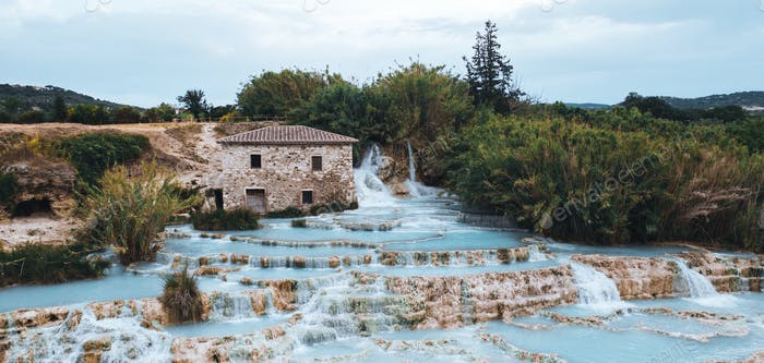 The thermal sulphurous water of Saturnia