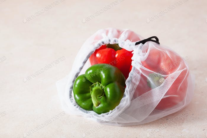bell peppers in reusable mesh nylon bag, plastic free zero waste