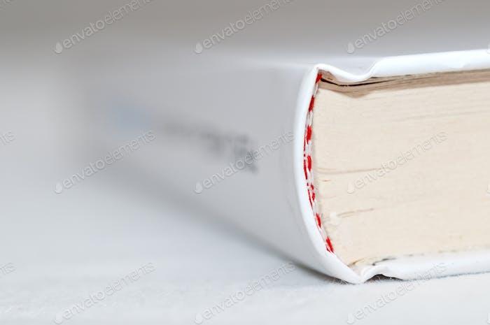 Weiße Buchbindung