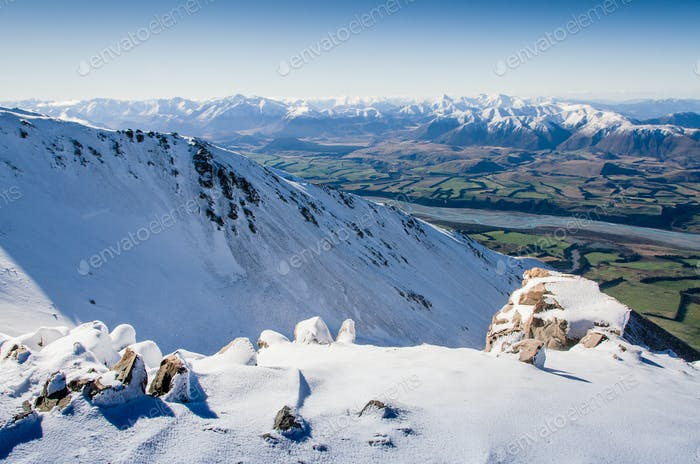new zealand mountains in winter