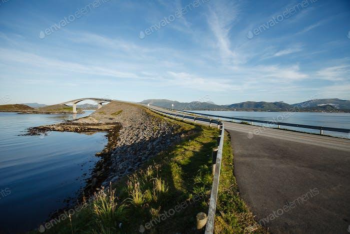 Atlantische Straßenbrücke in Norwegen