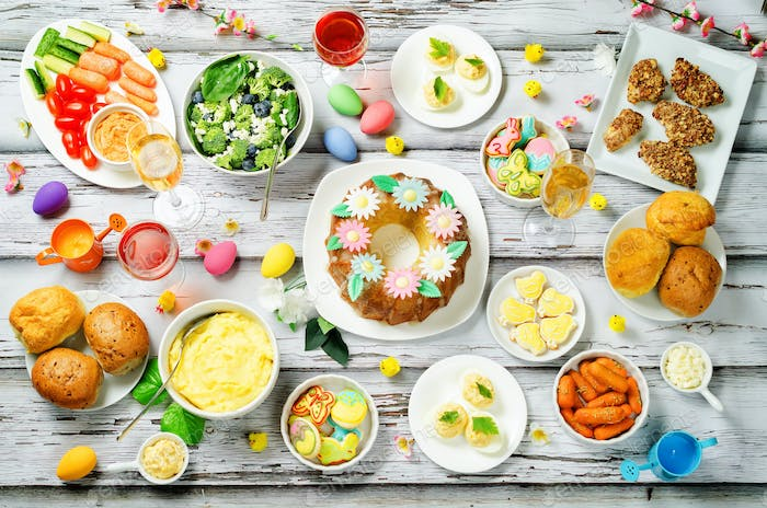 Spring Easter main dish table setting