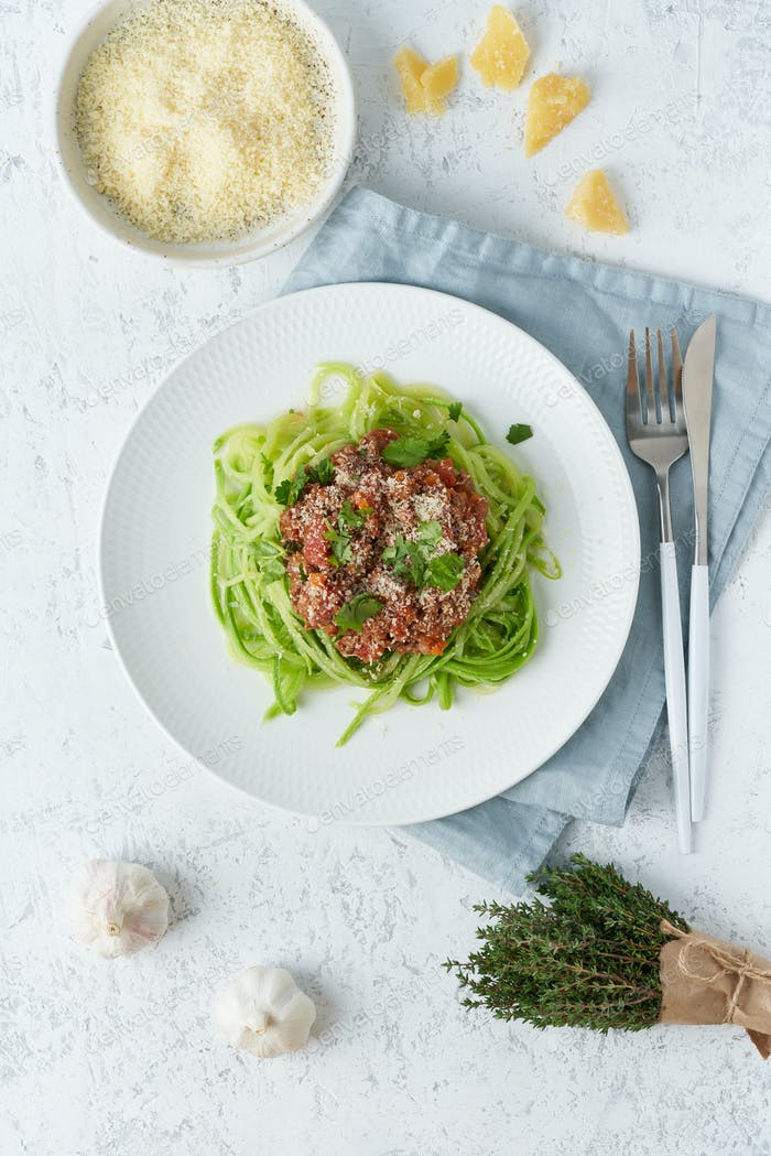 Keto pasta Bolognese with mincemeat and zucchini noodles, fodmap, lchf, low carb. Vertical