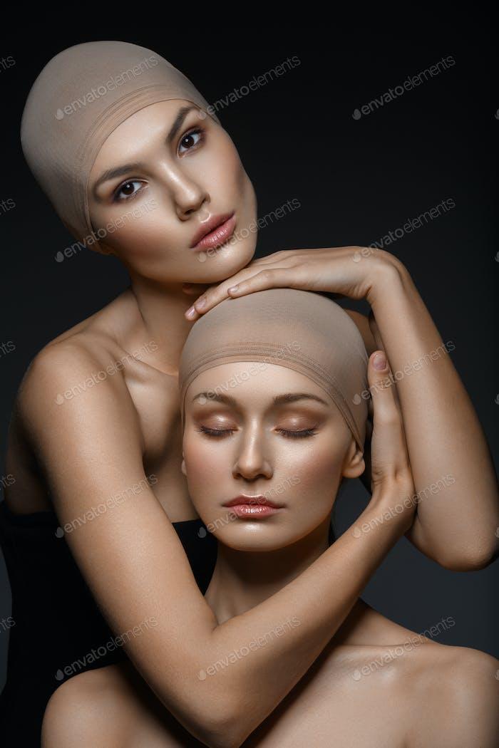 beautiful girls with natural makeup