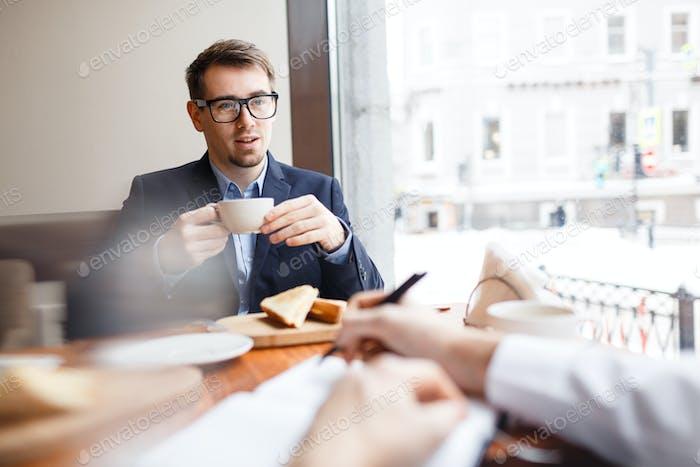 Interaktion im Café