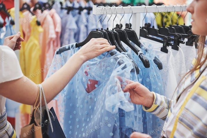 Kleidung Shop Kostüm Kleid Fashion Store Stil Konzept