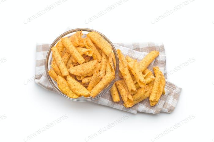 Рулонный чипсы тортильи.
